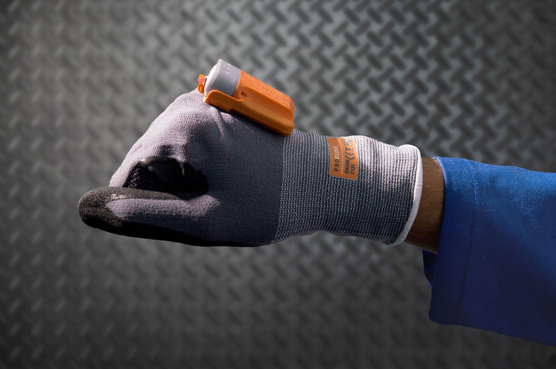 Intelligent scanning glove