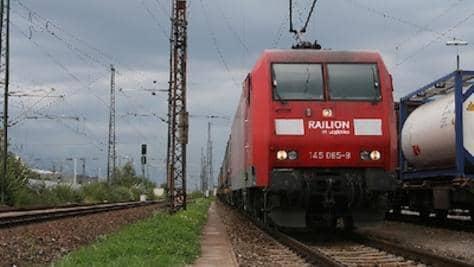 Железопътен превоз на товари