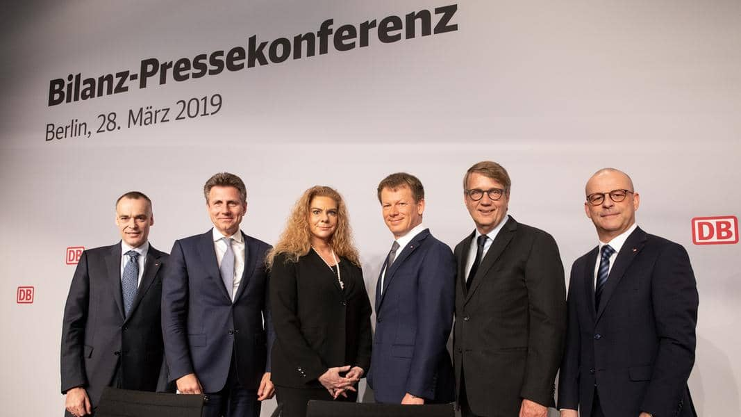 Bilanz 2018: Neuer Fahrgastrekord • Umsatz gestiegen • Investitionsoffensive für bessere Bahn