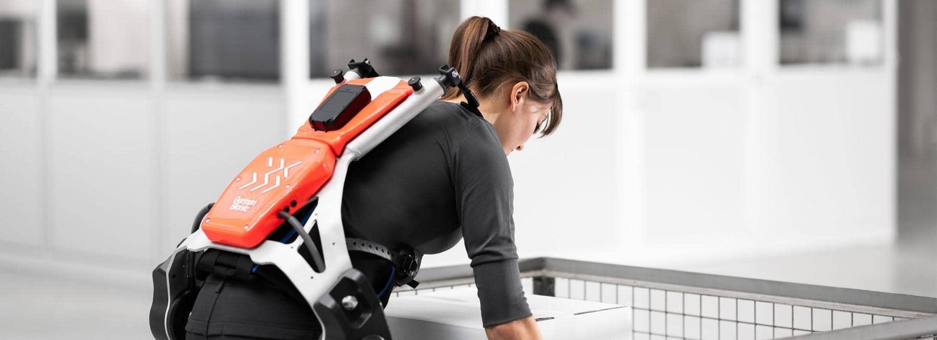 DB Schenker Exoskeletons woman lifting