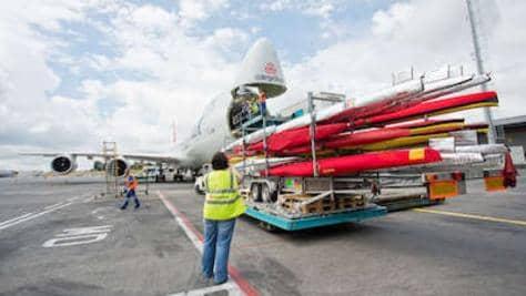 olympia2016_loading_aircraft