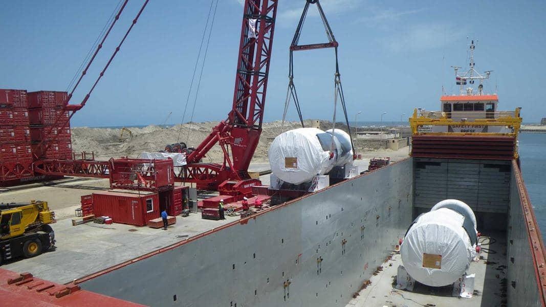 A 600-ton crane unloads the turbines in Burullus